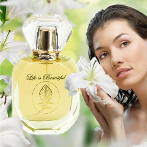 Spicy Woody Floral Perfume Épicé Perfume Florencia Collection Life is Beautiful